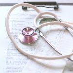 要再検査で乳がんの疑いアリ!受診は何科?検査内容とは?